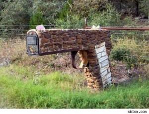 Typisch amerikanisch: Der abschreckende Briefkasten!